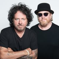 Steve Lukather och  Joseph Williams fortsätter att turnera som Toto - presenterar ny line-up