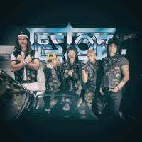 Nestor berättar om sin nya singel och att ett debutalbum är på gång